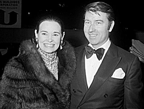 Gloria Vanderbilt - Net Worth, Young Pics, Age, Husband